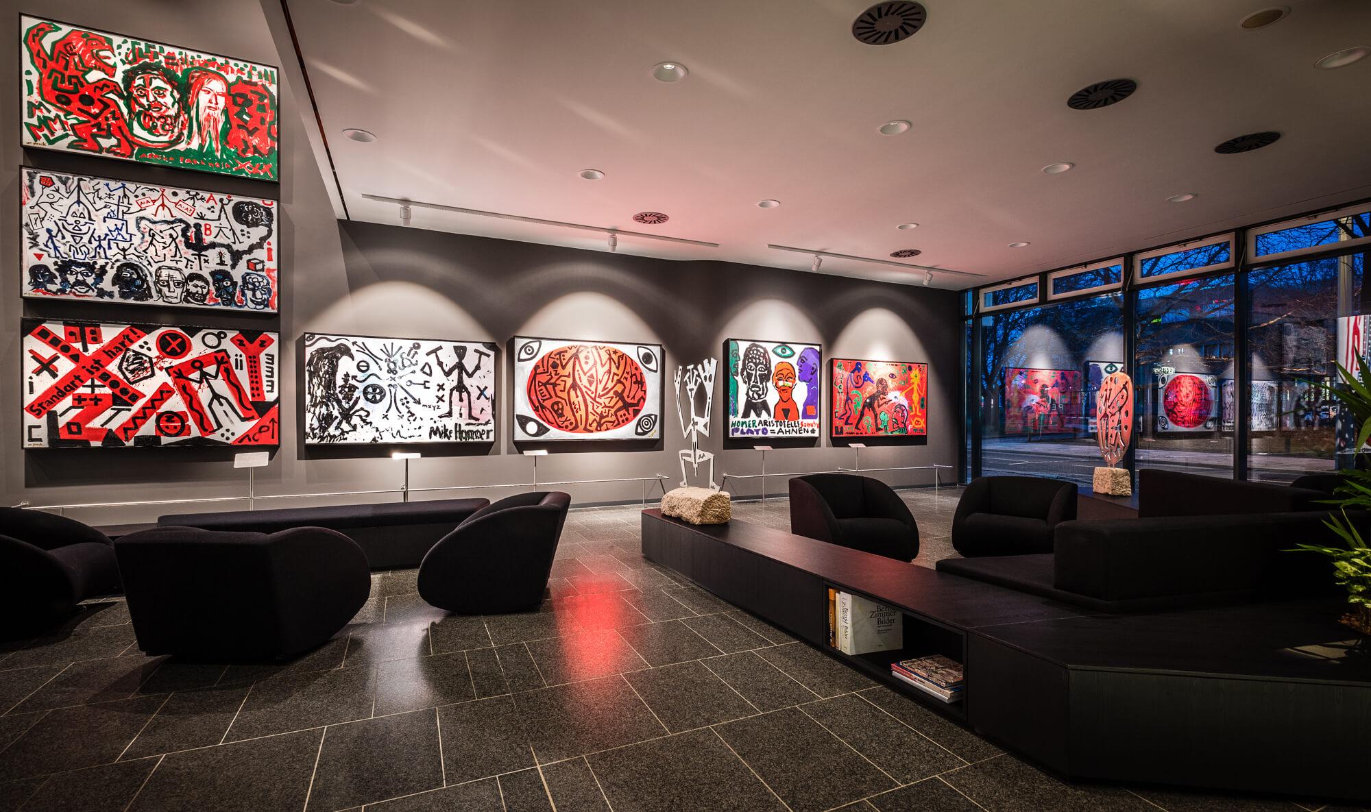 A.R. Penck Kunstwerke in der Lobby vom Penck hotel Dresden