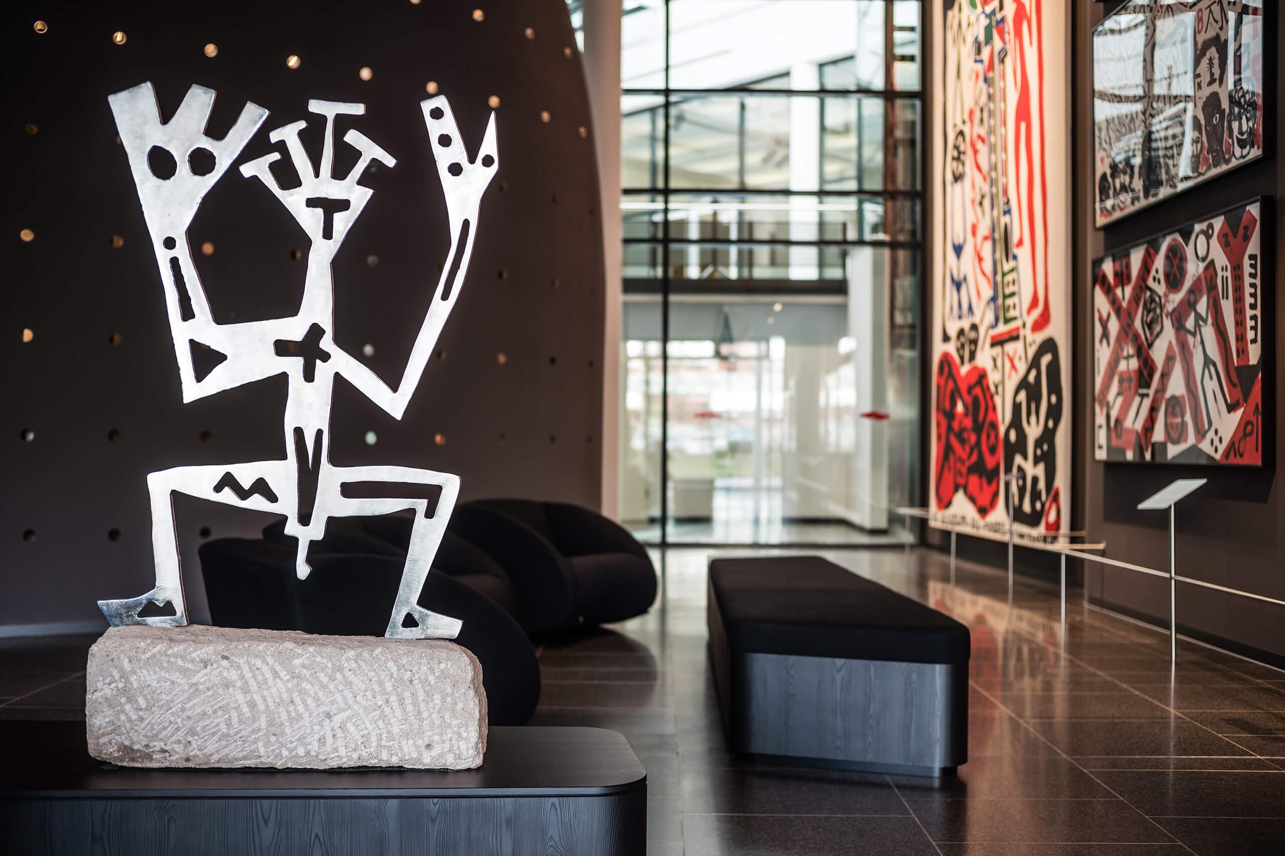 A.R. Penck Skultptur in der Lobby